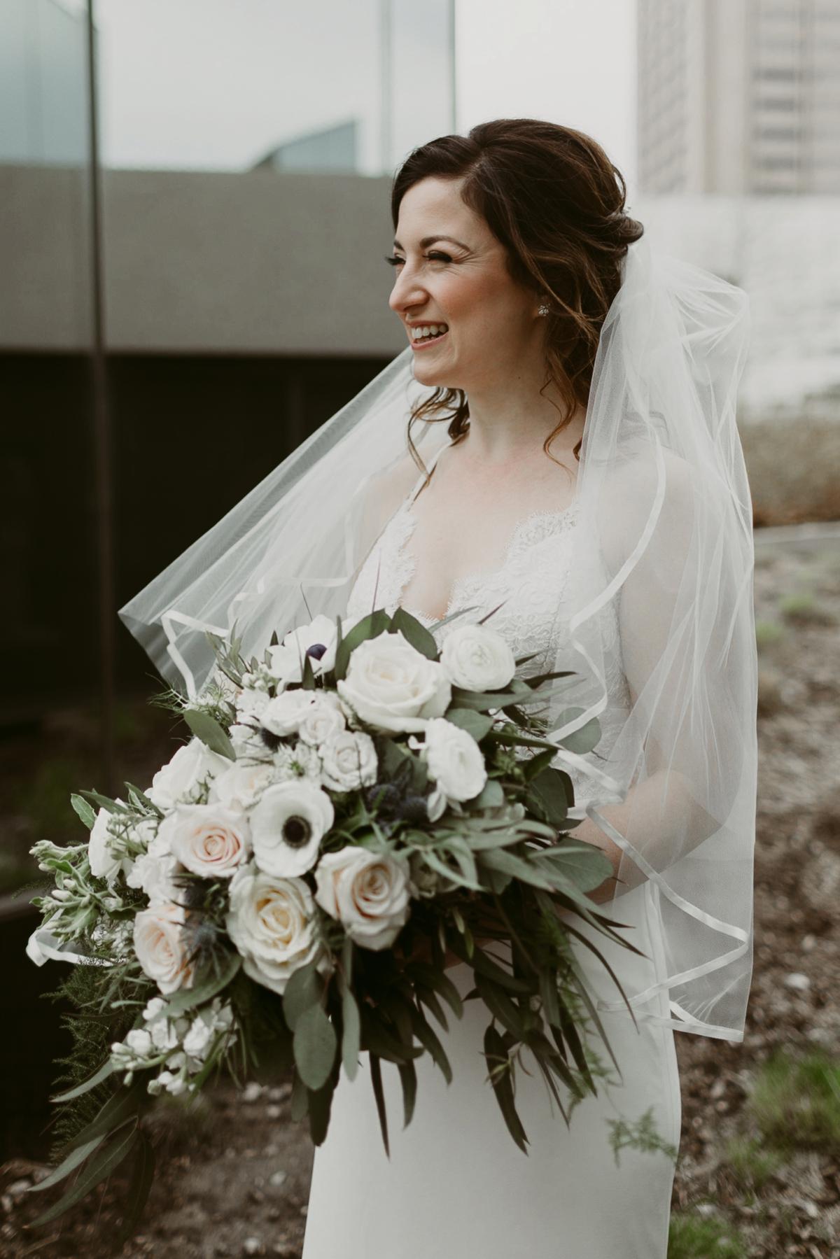 Rachel+Michael_Lake-Erie-Building-Cleveland-Wedding_M+J-Photographers-134.jpg