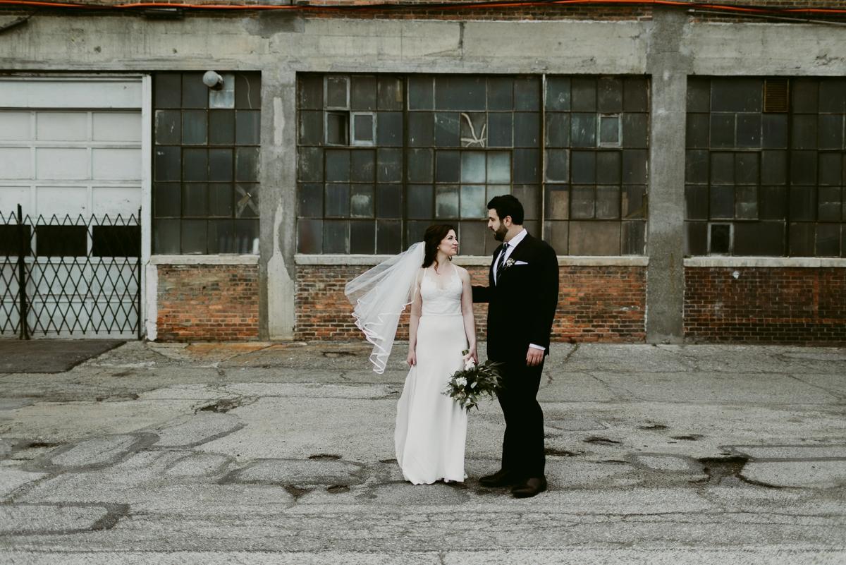Rachel+Michael_Lake-Erie-Building-Cleveland-Wedding_M+J-Photographers-253.jpg