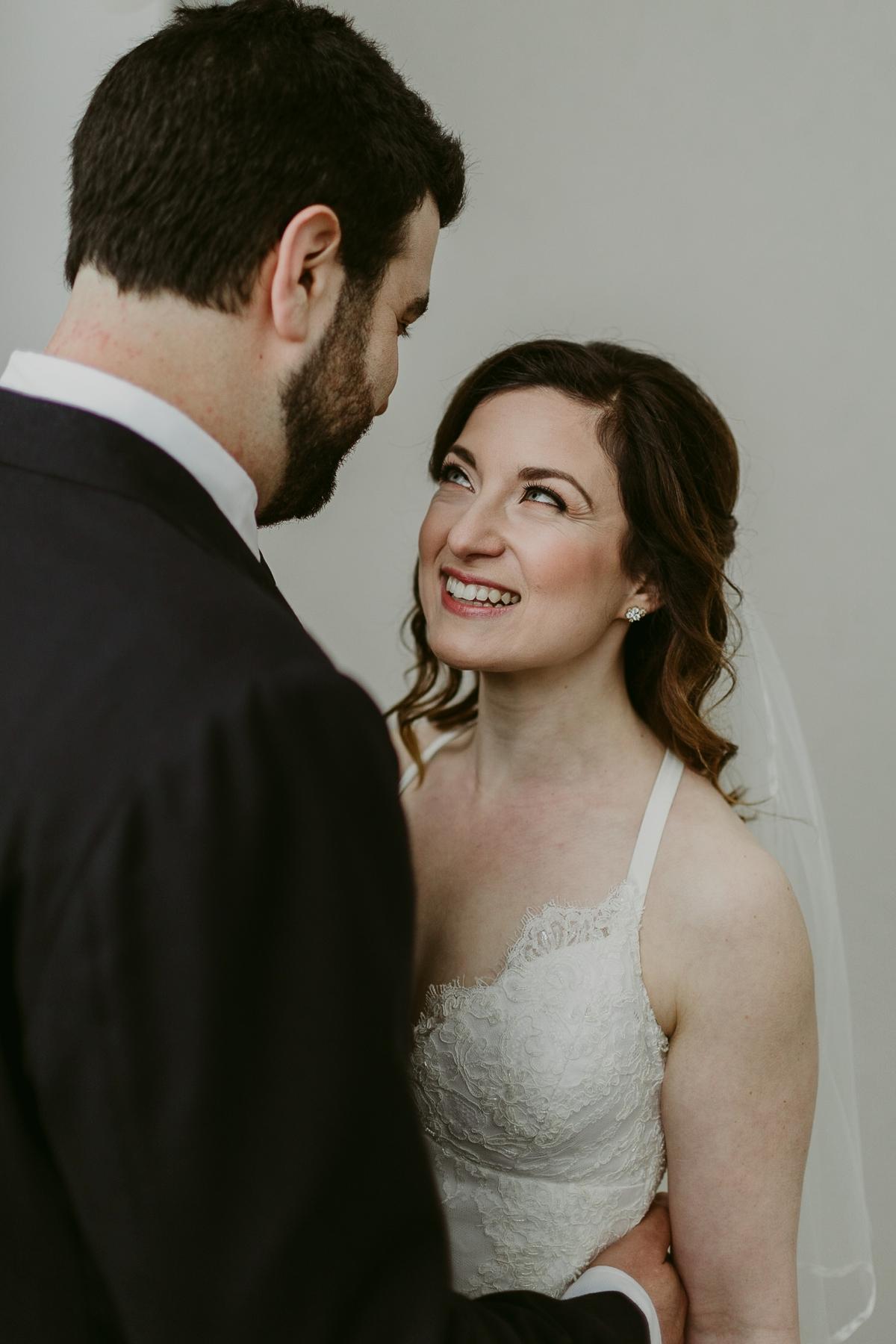 Rachel+Michael_Lake-Erie-Building-Cleveland-Wedding_M+J-Photographers-271.jpg