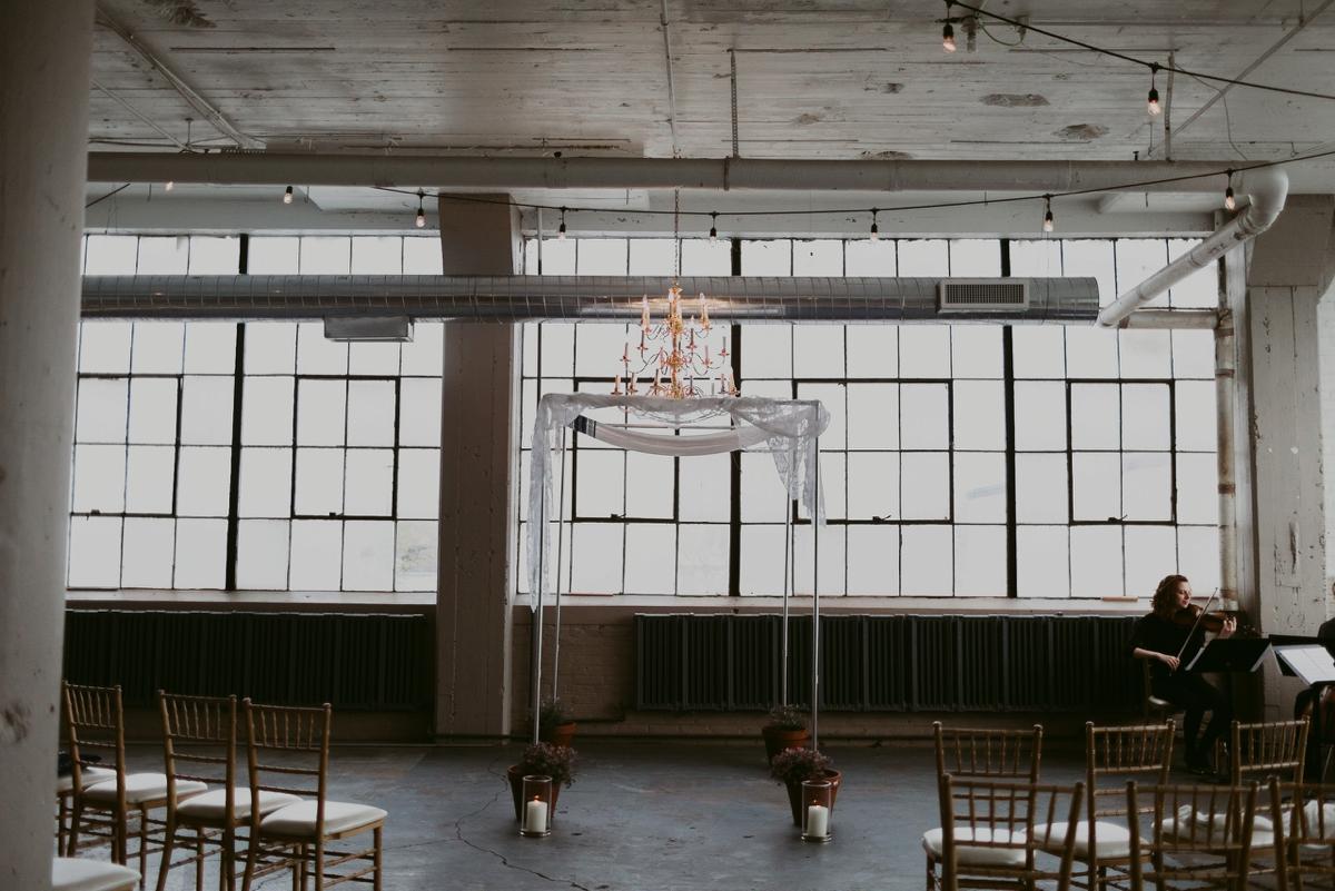 Rachel+Michael_Lake-Erie-Building-Cleveland-Wedding_M+J-Photographers-318.jpg