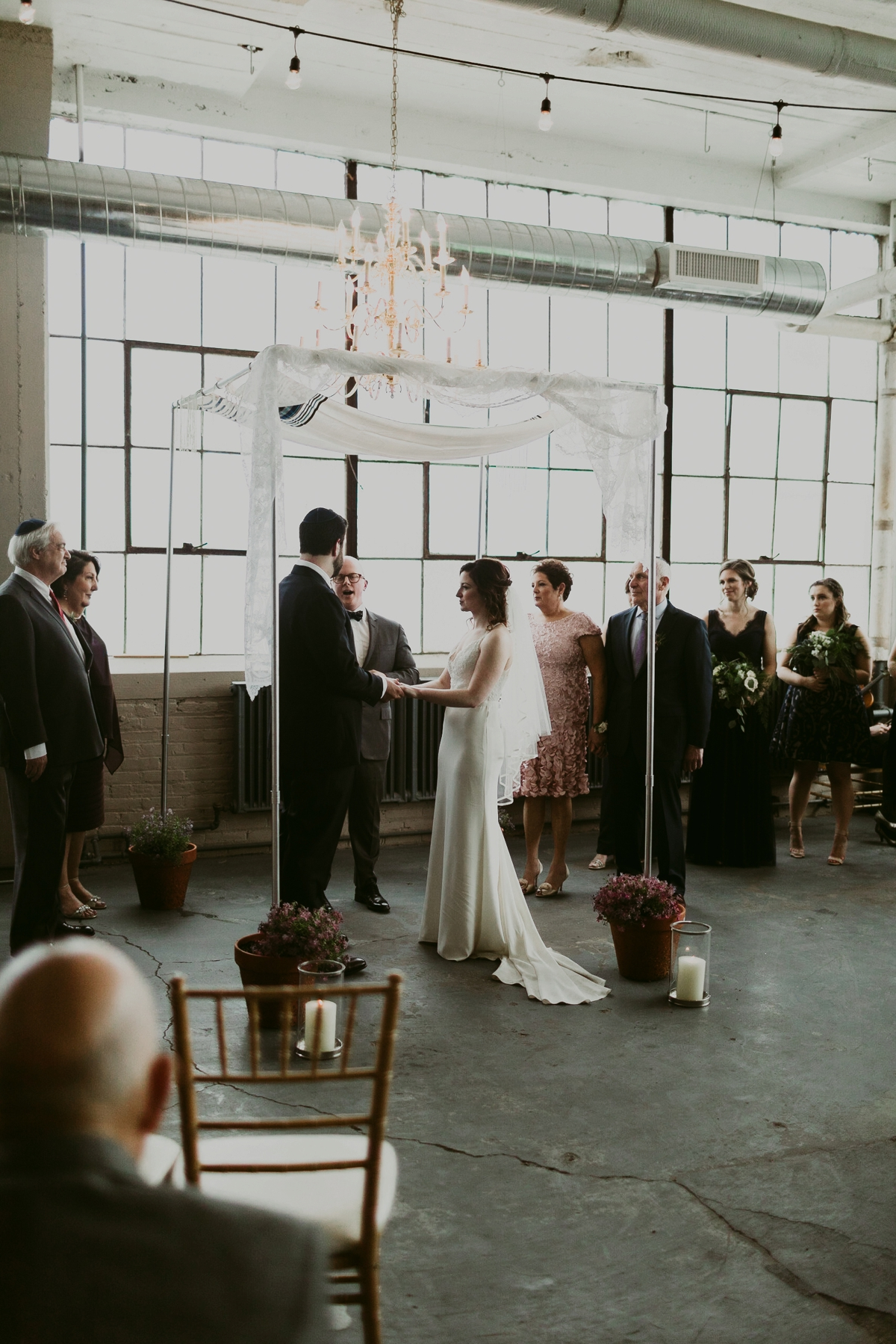 Rachel+Michael_Lake-Erie-Building-Cleveland-Wedding_M+J-Photographers-370.jpg