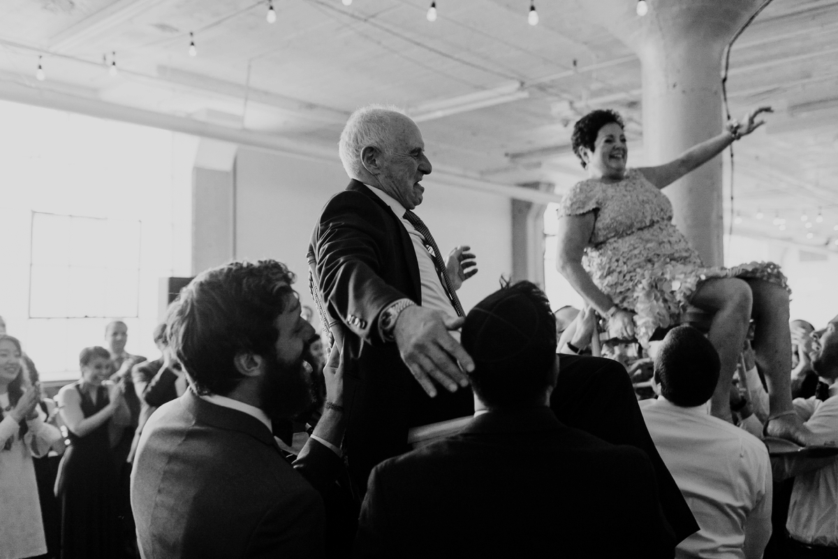 Rachel+Michael_Lake-Erie-Building-Cleveland-Wedding_M+J-Photographers-426.jpg