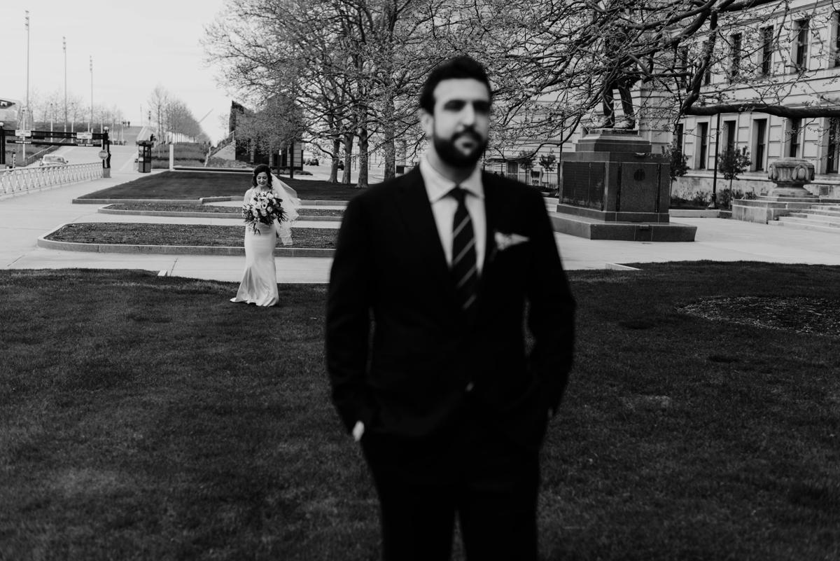Rachel+Michael_Lake-Erie-Building-Cleveland-Wedding_M+J-Photographers-621.jpg