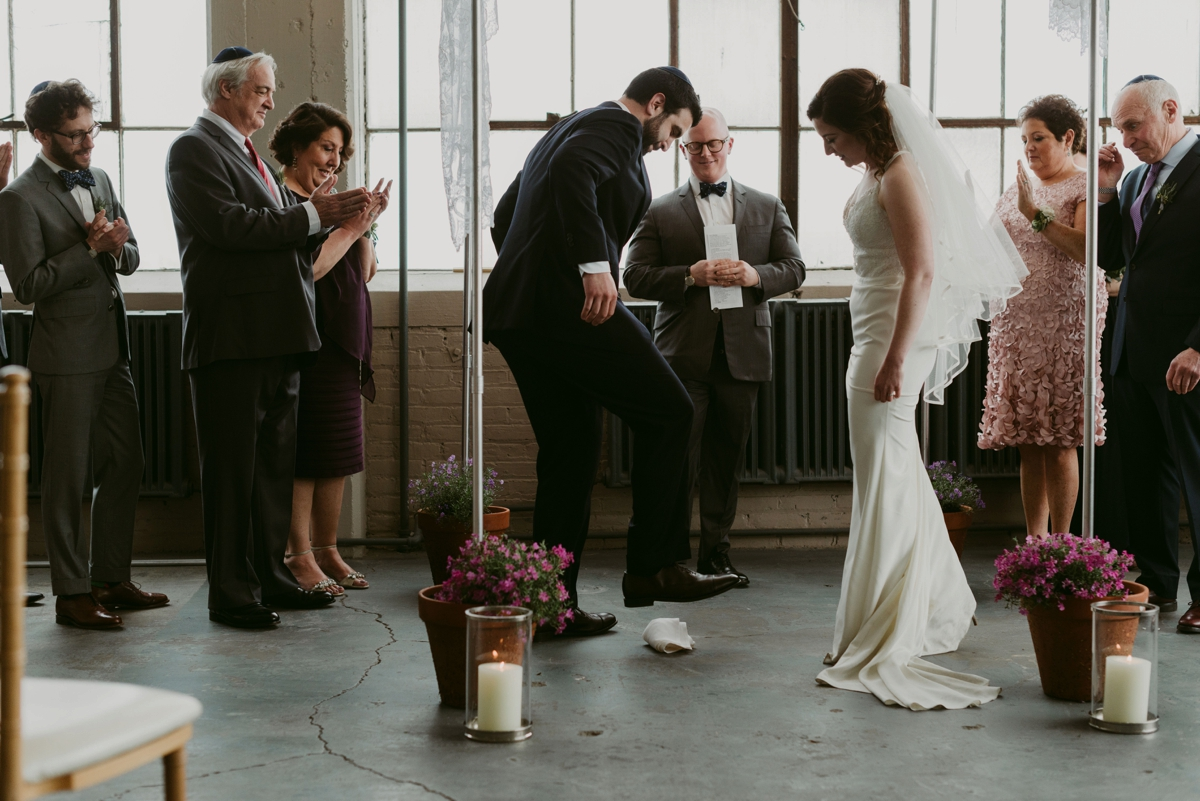 Rachel+Michael_Lake-Erie-Building-Cleveland-Wedding_M+J-Photographers-805.jpg