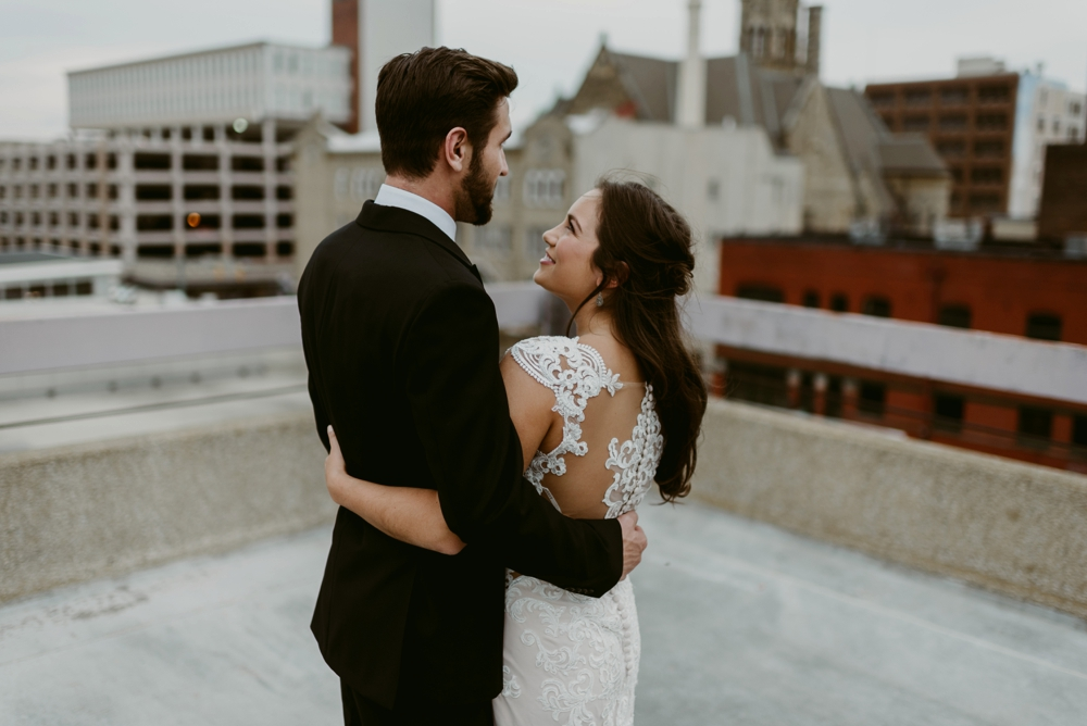 Rooftop-Elopement-Styled-Shoot_0102.jpg