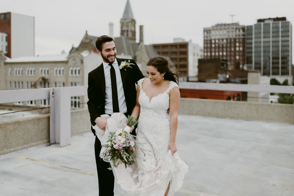 Rooftop-Elopement-Styled-Shoot_0107.jpg