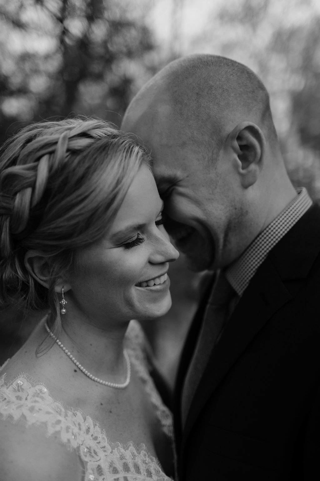 Mandy&Wade-Ohio-Barn-Wedding_MJPHOTO-143.jpg