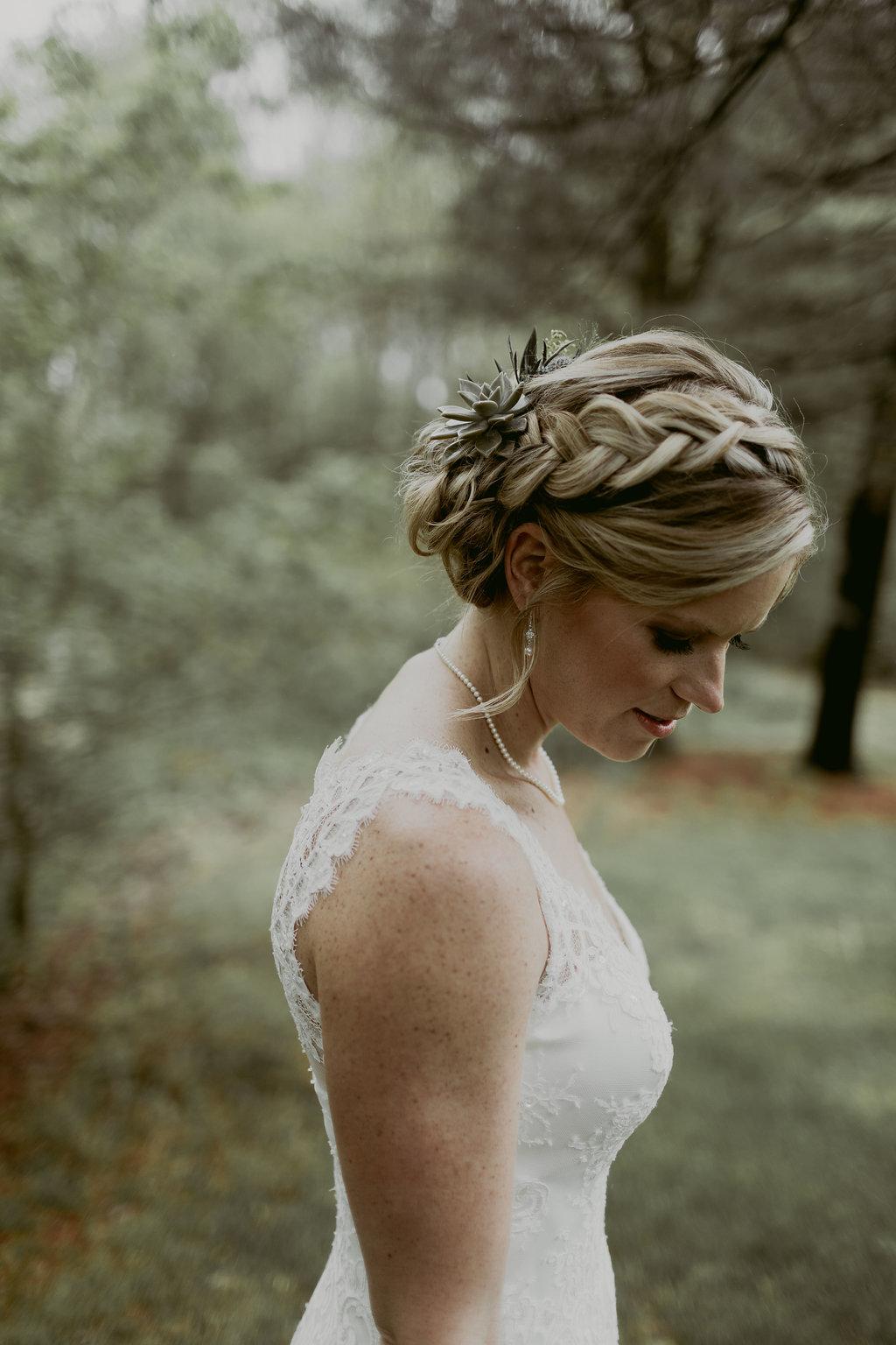 Mandy&Wade-Ohio-Barn-Wedding_MJPHOTO-170.jpg