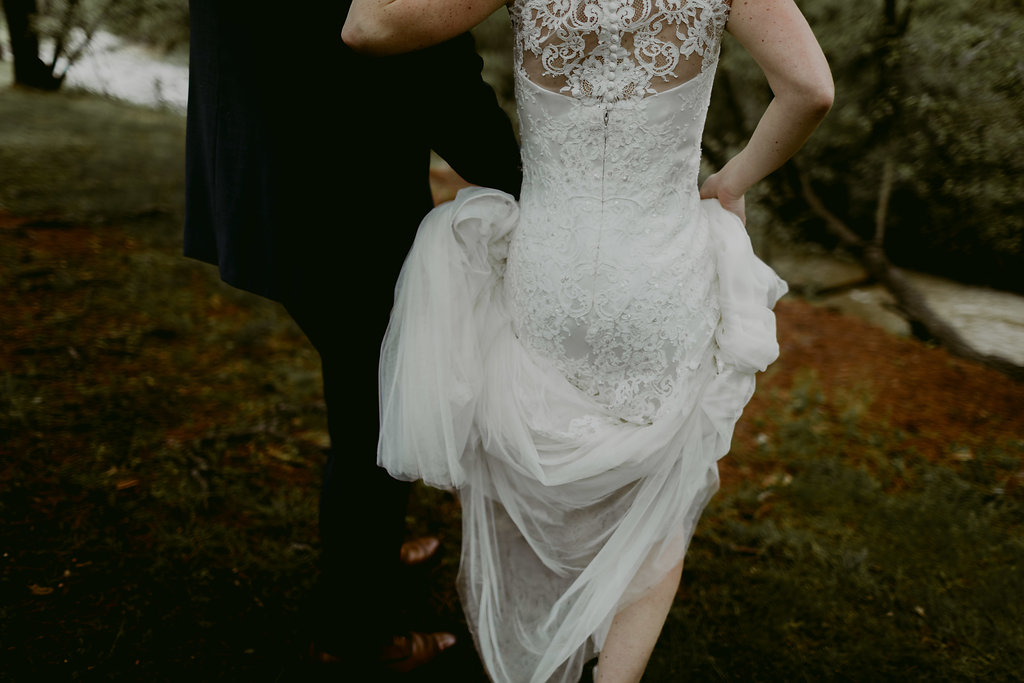 Mandy&Wade-Ohio-Barn-Wedding_MJPHOTO-187.jpg