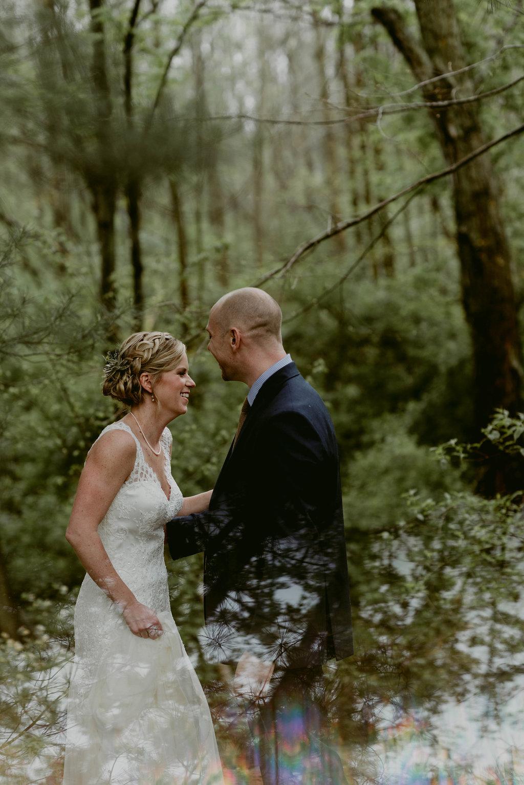 Mandy&Wade-Ohio-Barn-Wedding_MJPHOTO-486.jpg