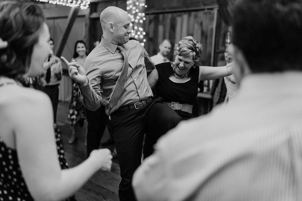 Mandy&Wade-Ohio-Barn-Wedding_MJPHOTO-777.jpg
