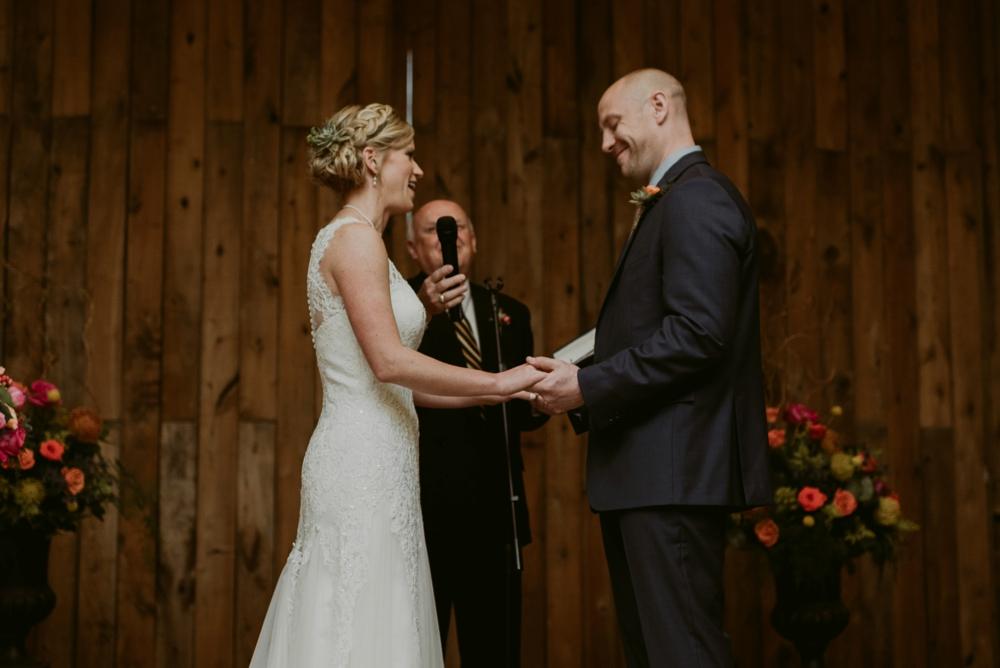 Mandy&Wade-Ohio-Barn-Wedding_MJPHOTO-619.jpg