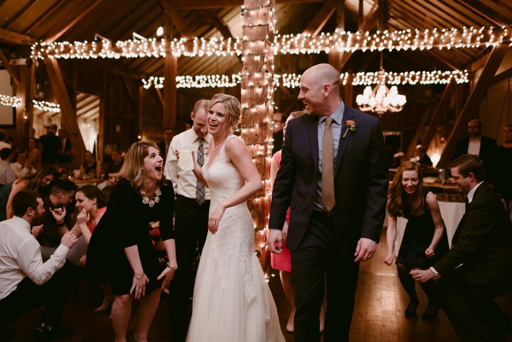 Mandy&Wade-Ohio-Barn-Wedding_MJPHOTO-750.jpg