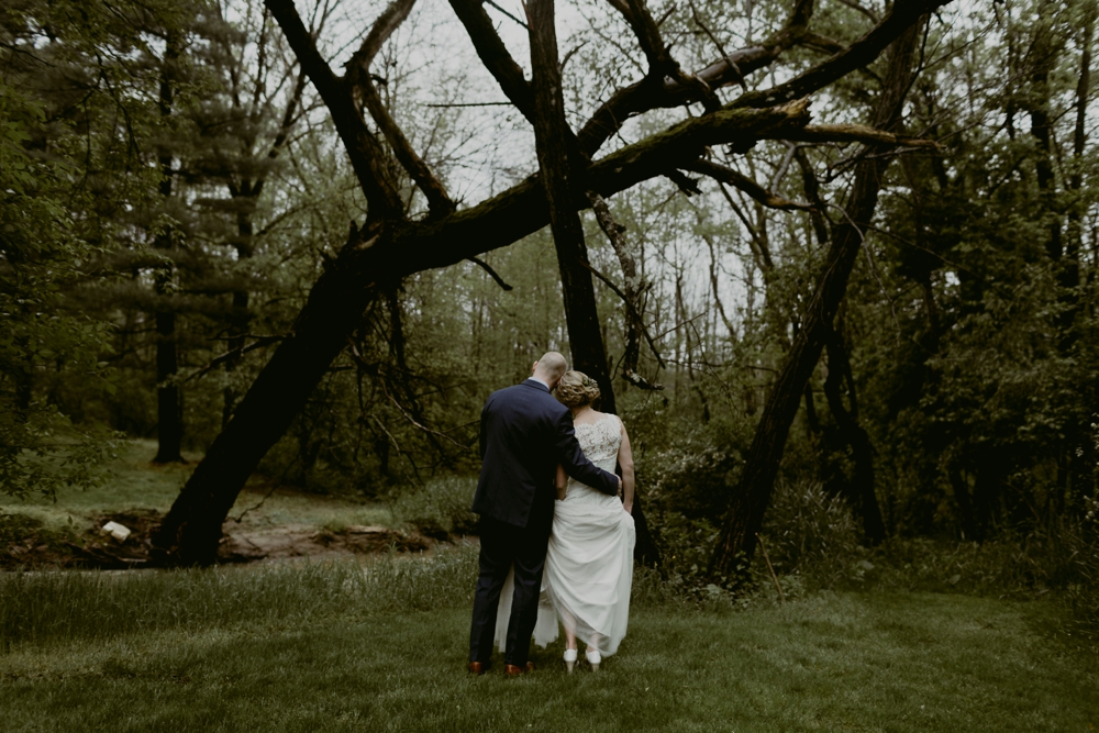 Mandy&Wade-Ohio-Barn-Wedding_MJPHOTO-208.jpg