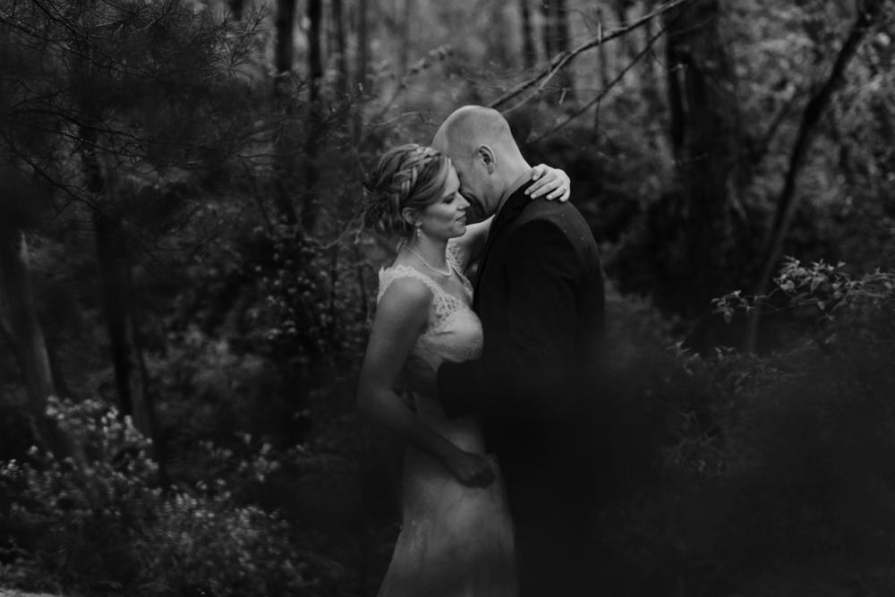 Mandy&Wade-Ohio-Barn-Wedding_MJPHOTO-484.jpg