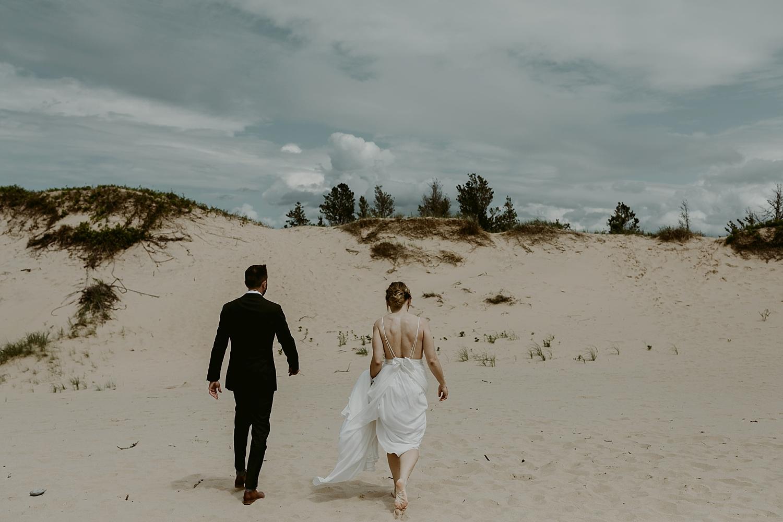 Michigan-Sand-Dunes-Wedding_Ashley+Zach-301.jpg