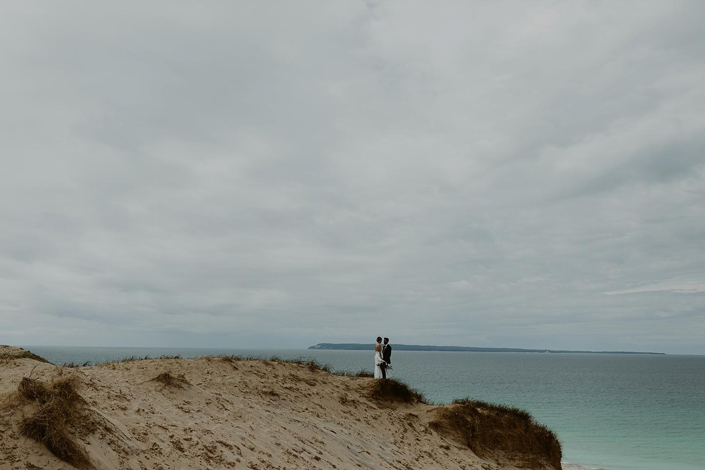 Michigan-Sand-Dunes-Wedding_Ashley+Zach-357.jpg