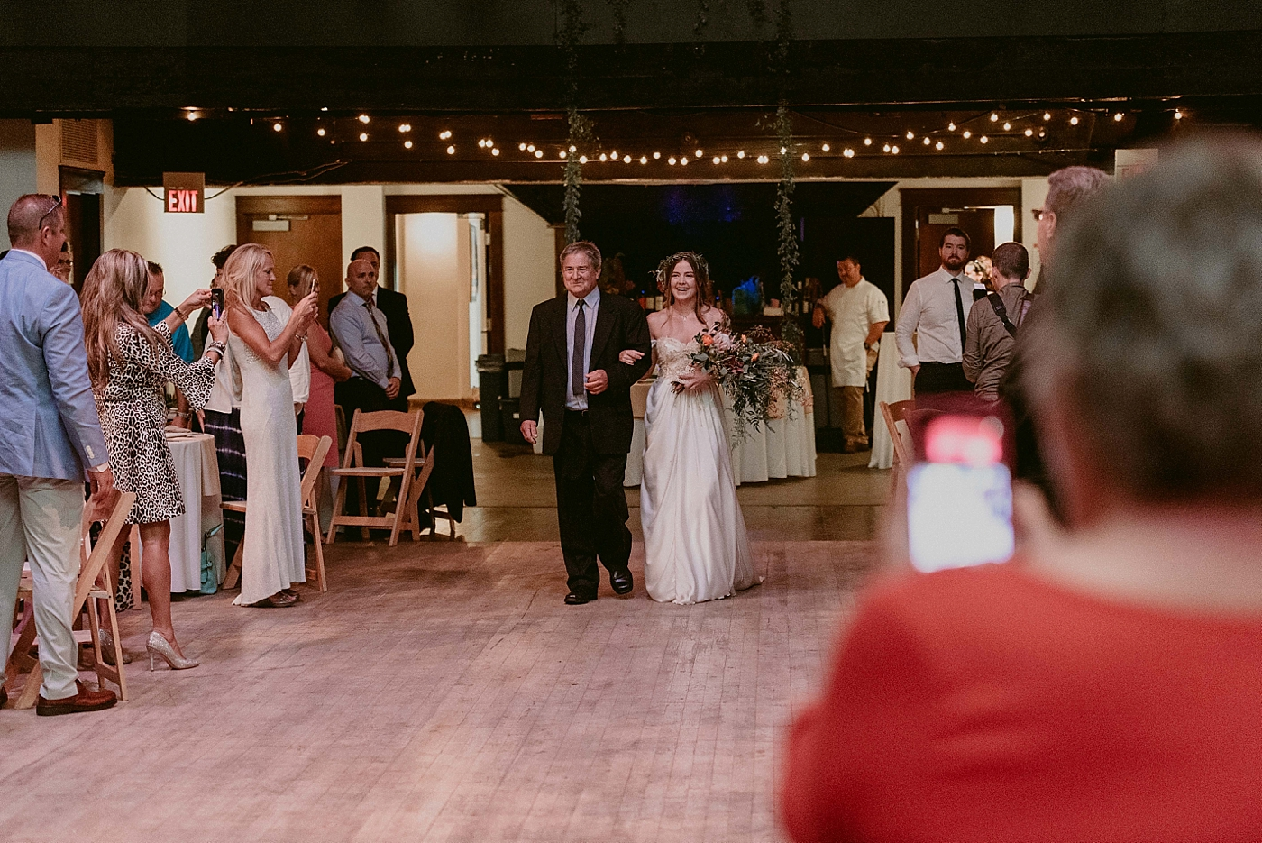 Woodland-Theater-Wedding-Molly+Ryan_MJPHOTO-385.jpg