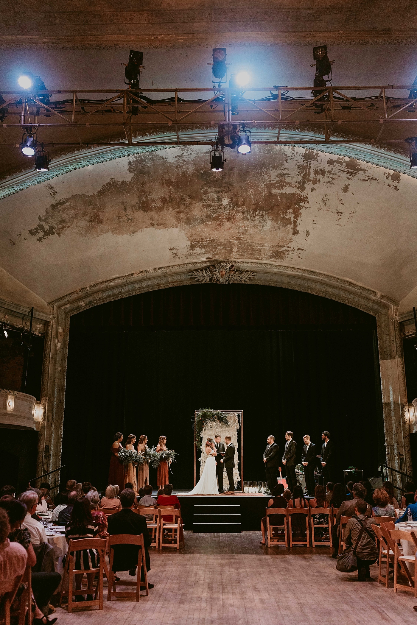 Woodland-Theater-Wedding-Molly+Ryan_MJPHOTO-433.jpg
