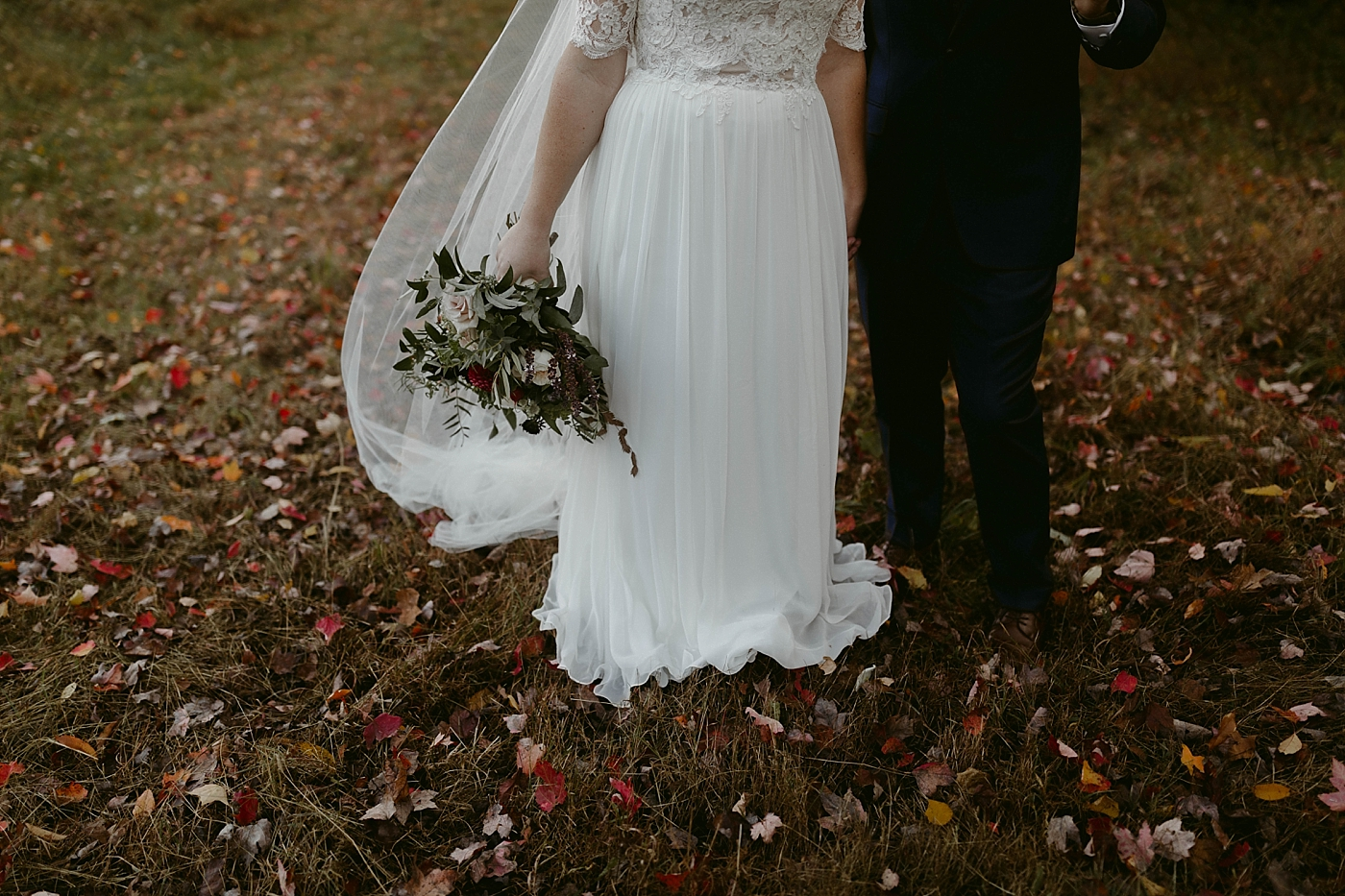 October-Backyard-Wedding_Rachel+Brian_MJPHOTO-350.jpg