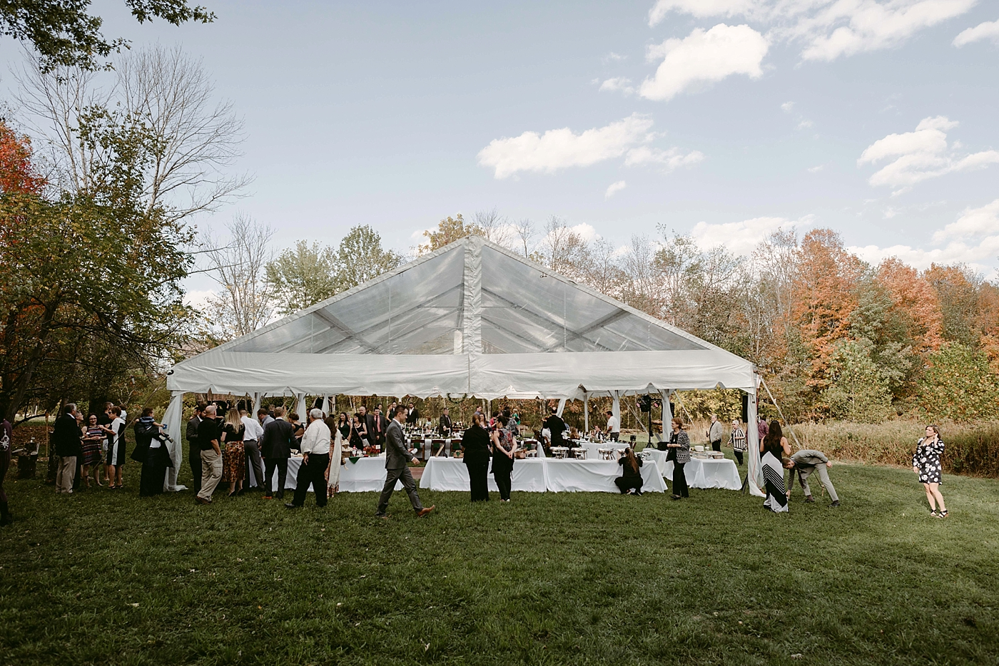 October-Backyard-Wedding_Rachel+Brian_MJPHOTO-730.jpg