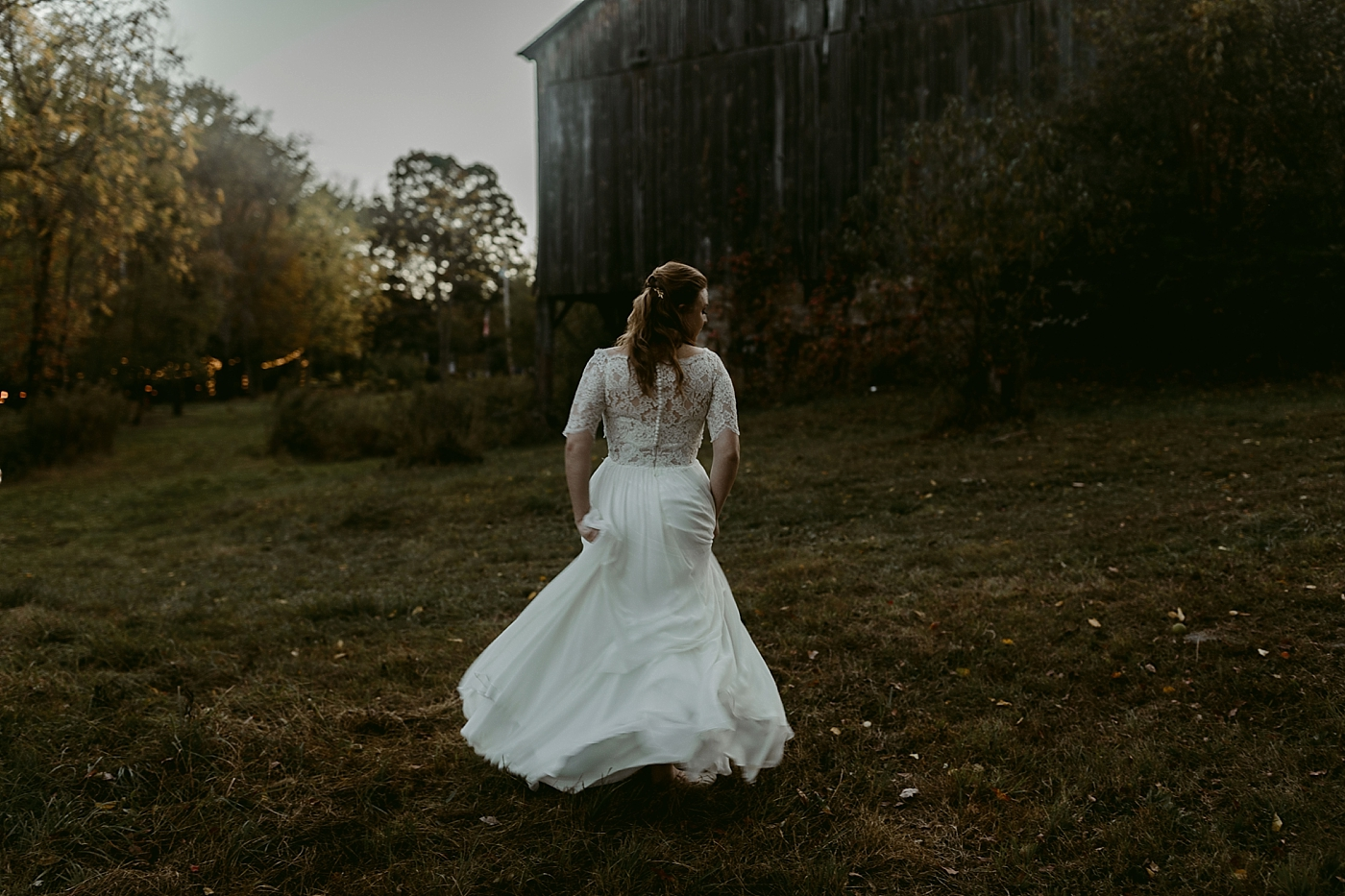 October-Backyard-Wedding_Rachel+Brian_MJPHOTO-1131.jpg