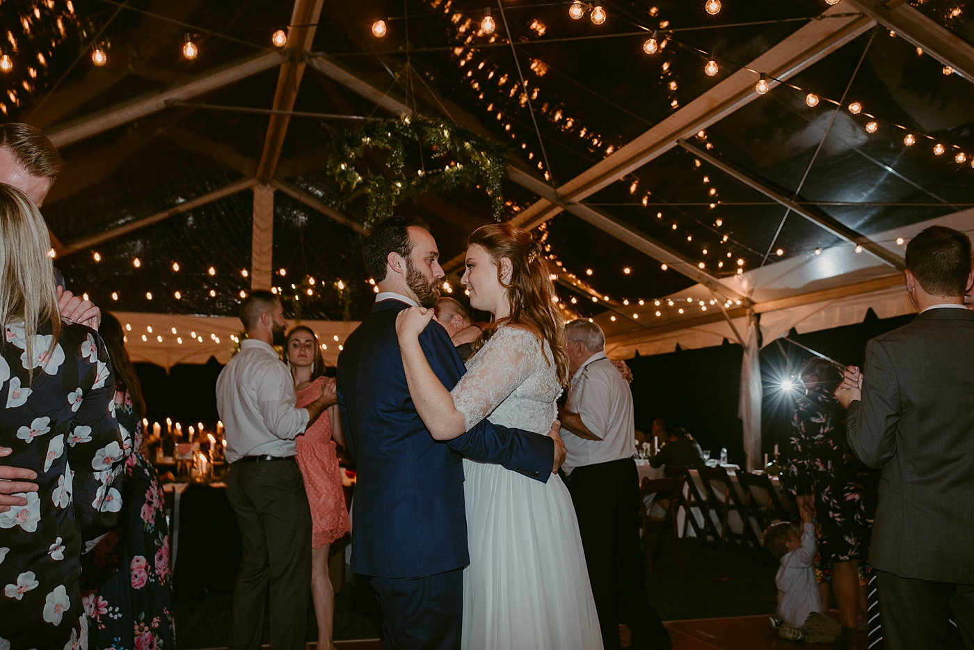 October-Backyard-Wedding_Rachel+Brian_MJPHOTO-1311.jpg