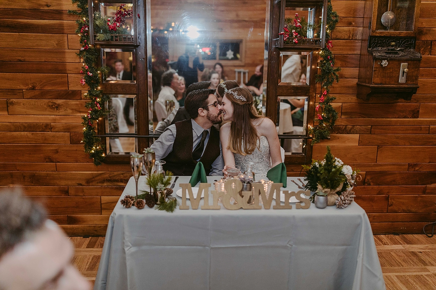 Winter-Squires-Castle-Wedding-James+Jessica_MJPHOTO2017-707.jpg