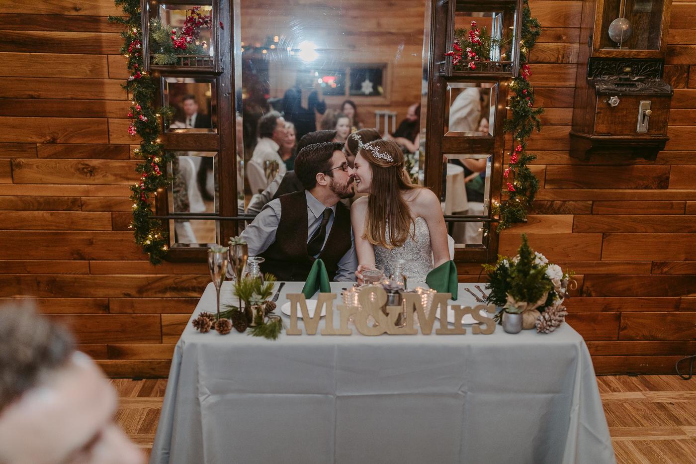 Squires-Castle-Winter-Wedding-43.jpg