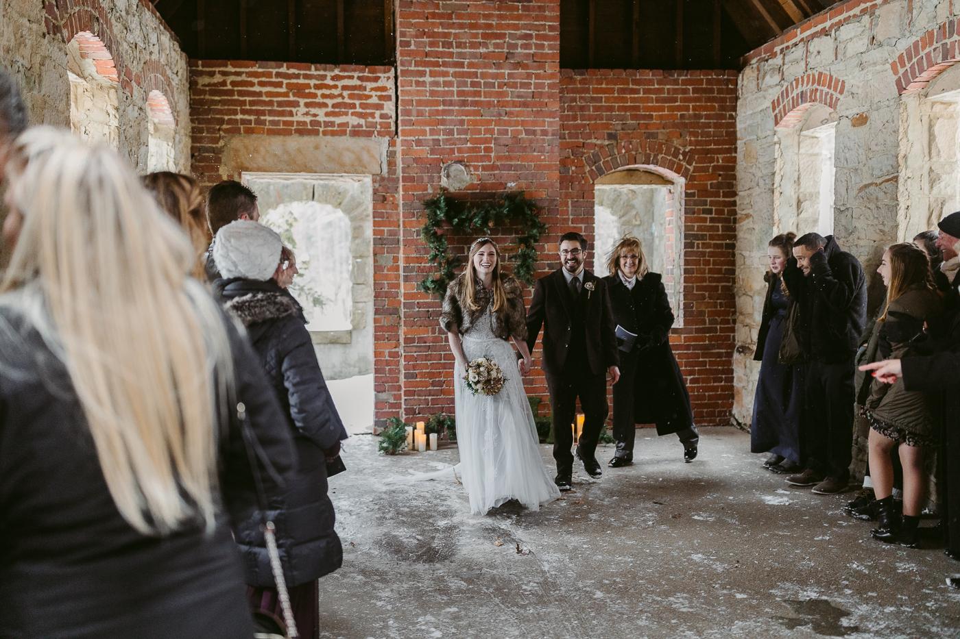 Squires-Castle-Winter-Wedding-36.jpg
