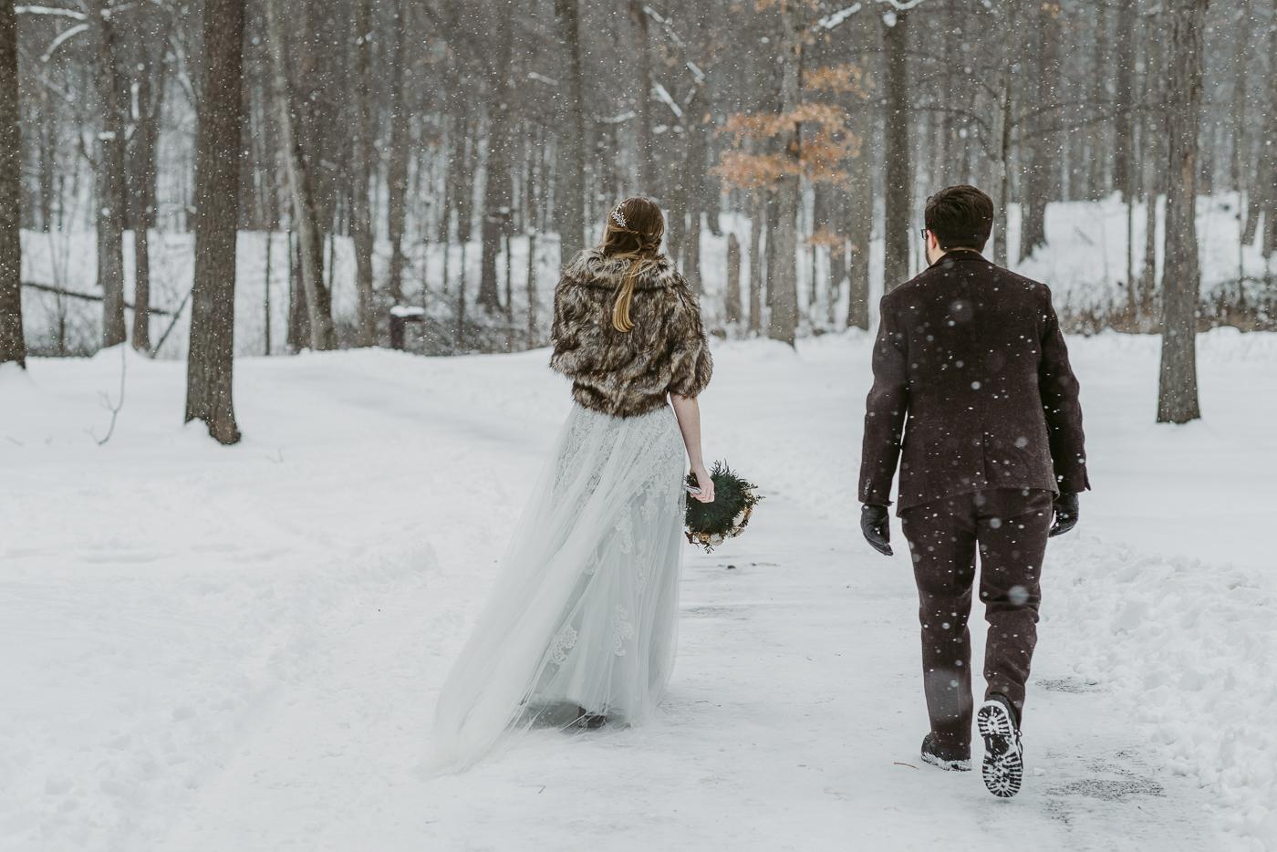 Squires-Castle-Winter-Wedding-17.jpg