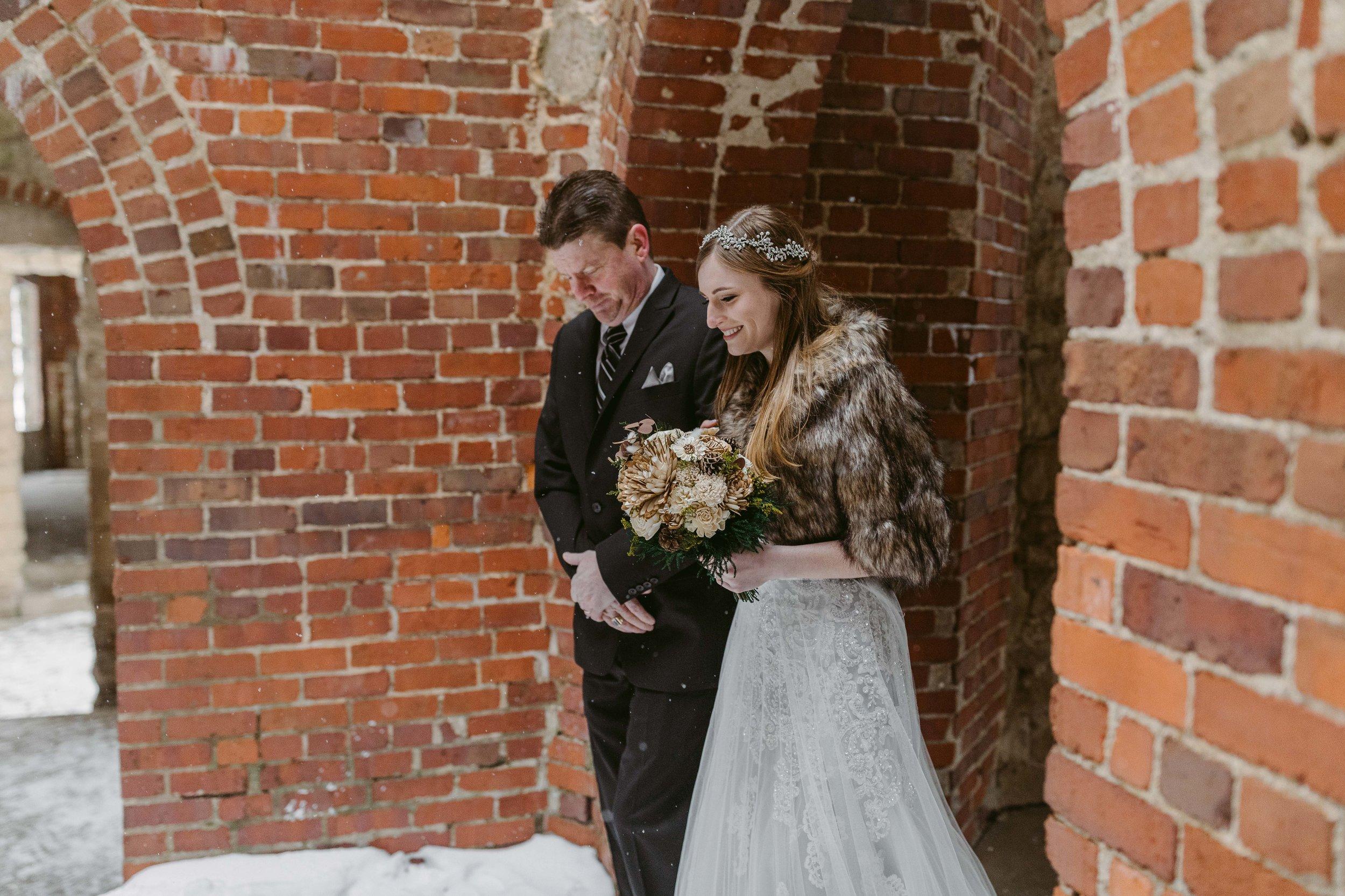 Winter-Squires-Castle-Wedding-James+Jessica_MJPHOTO2017-495.jpg