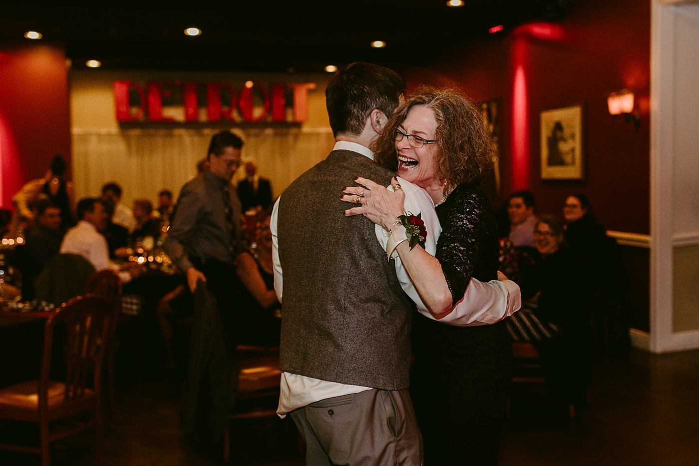 Cleveland-Vintage-Wedding-Kendel+Paul_MJPHOTO2017-861.jpg