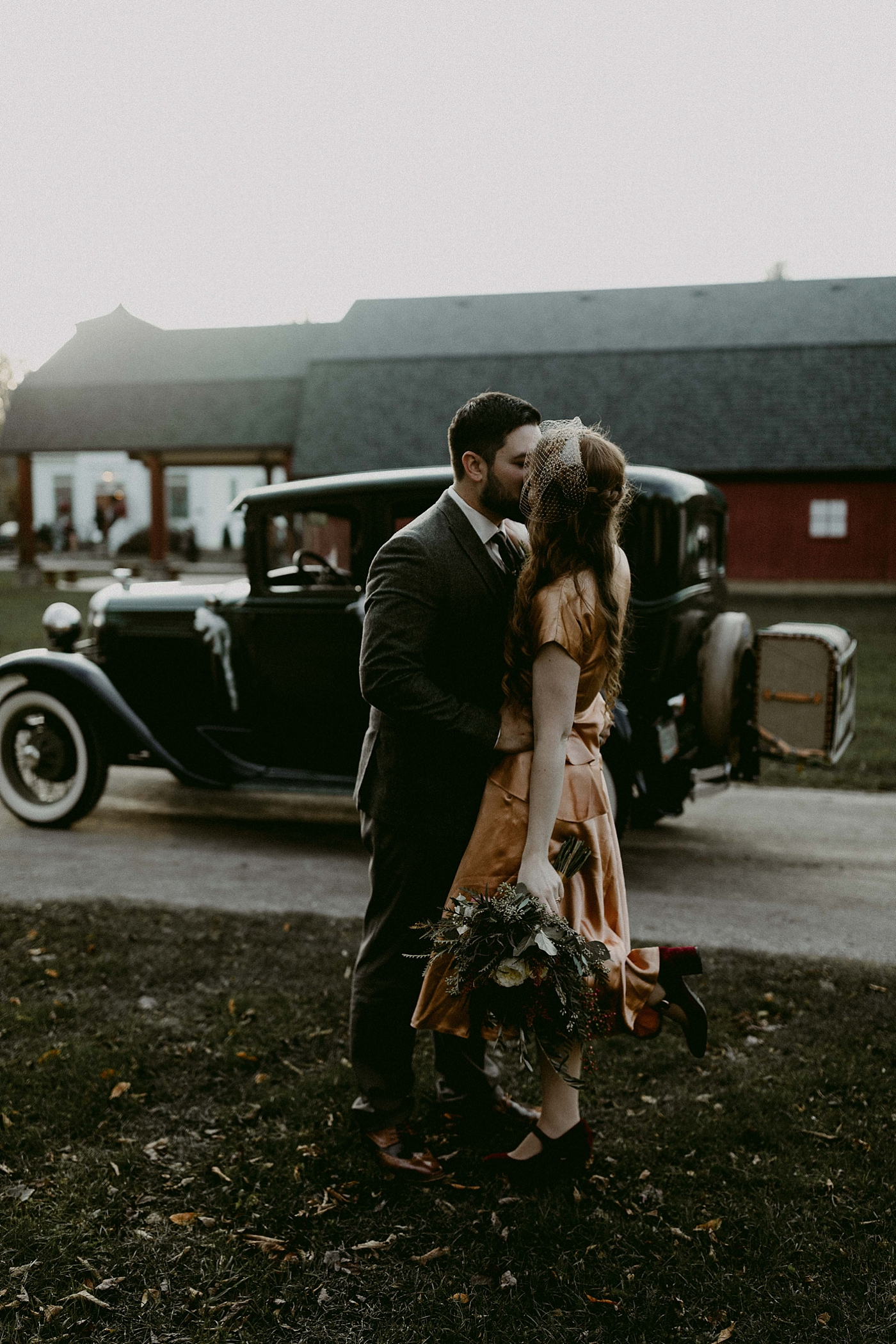 Cleveland-Vintage-Wedding-Kendel+Paul_MJPHOTO2017-627.jpg