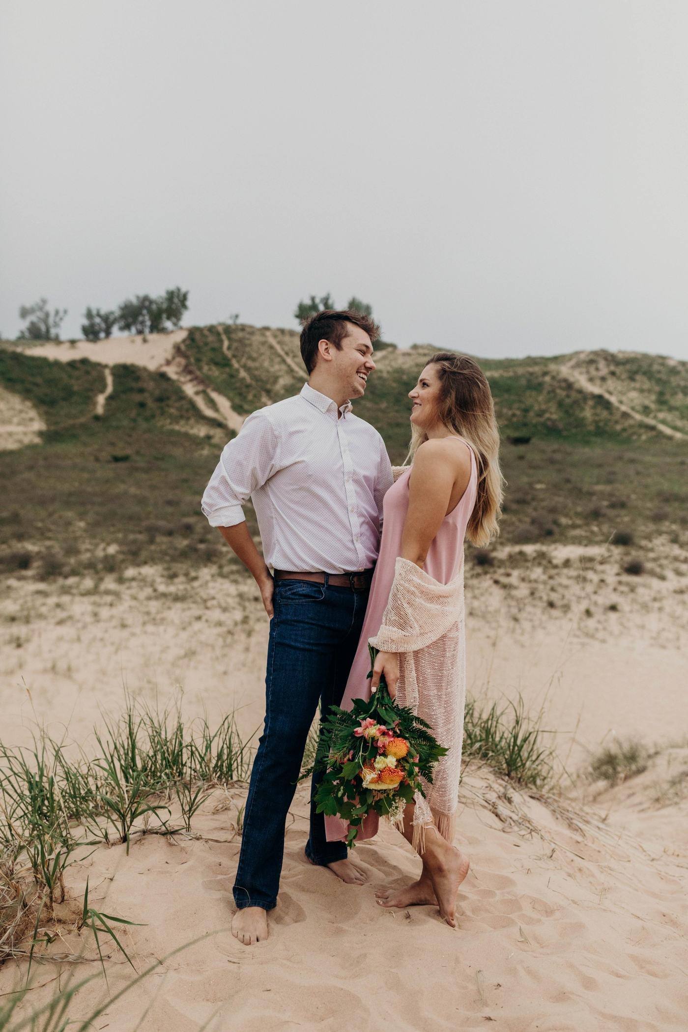 Sleeping_Bear_Dunes_Couples_Adventure_Session_Adventure_Wedding_Photographer_Hiking_with_Heels_Brett+Emily-2.jpg