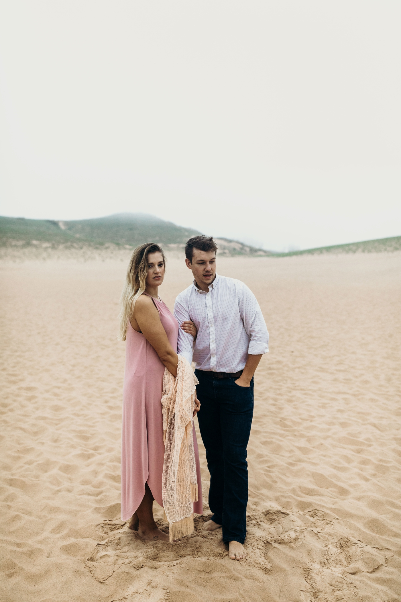 Sleeping_Bear_Dunes_Couples_Adventure_Session_Adventure_Wedding_Photographer_Hiking_with_Heels_Brett+Emily-8.jpg