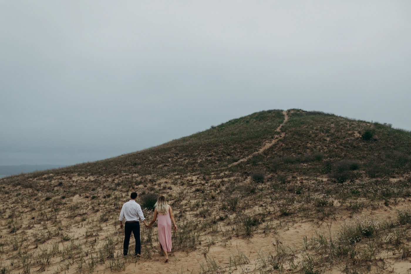 Sleeping_Bear_Dunes_Couples_Adventure_Session_Adventure_Wedding_Photographer_Hiking_with_Heels_Brett+Emily-24.jpg