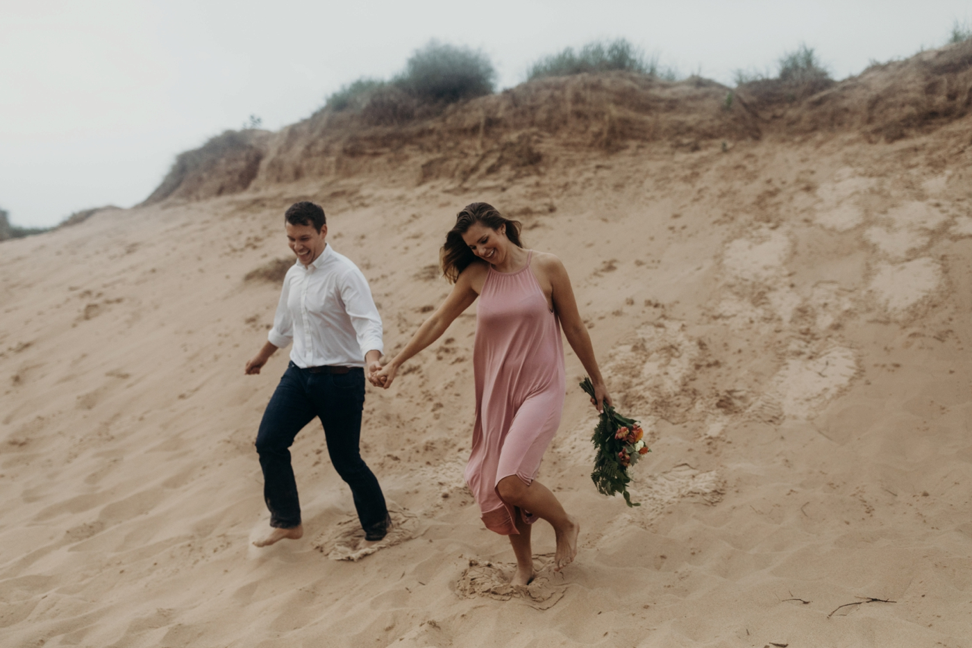 Sleeping_Bear_Dunes_Couples_Adventure_Session_Adventure_Wedding_Photographer_Hiking_with_Heels_Brett+Emily-38.jpg