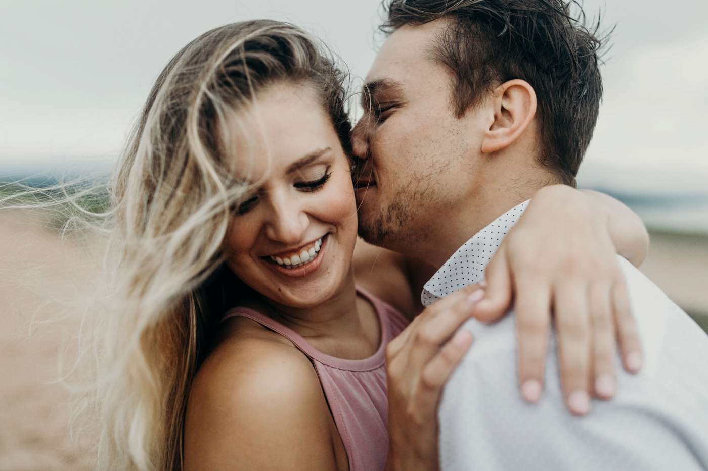 Sleeping_Bear_Dunes_Couples_Adventure_Session_Adventure_Wedding_Photographer_Hiking_with_Heels_Brett+Emily-66.jpg