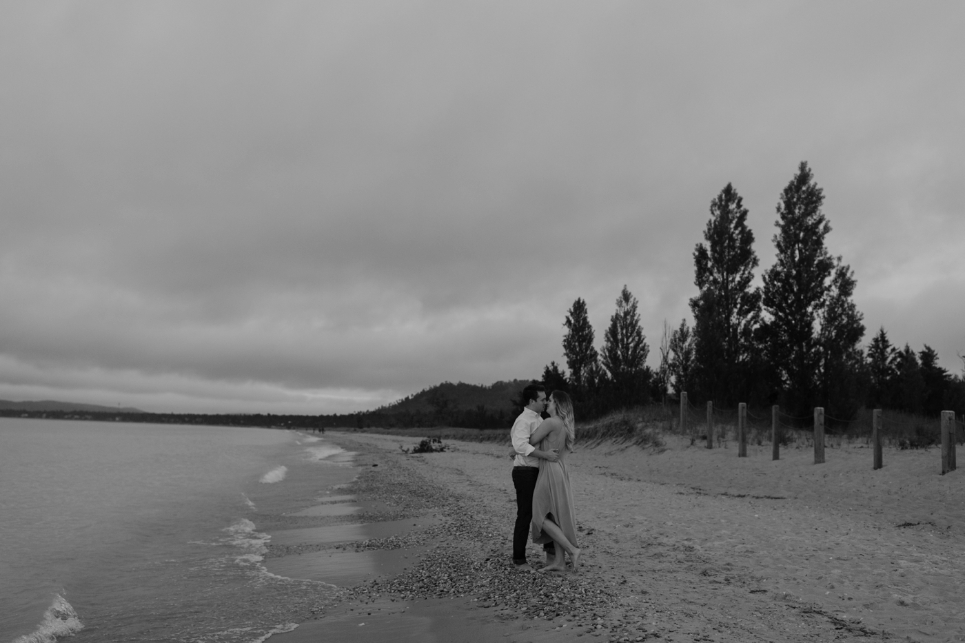 Sleeping_Bear_Dunes_Couples_Adventure_Session_Adventure_Wedding_Photographer_Hiking_with_Heels_Brett+Emily-75.jpg