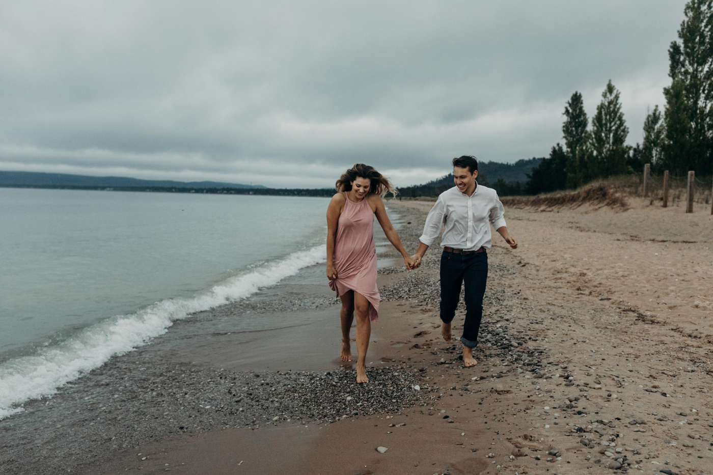 Sleeping_Bear_Dunes_Couples_Adventure_Session_Adventure_Wedding_Photographer_Hiking_with_Heels_Brett+Emily-77.jpg