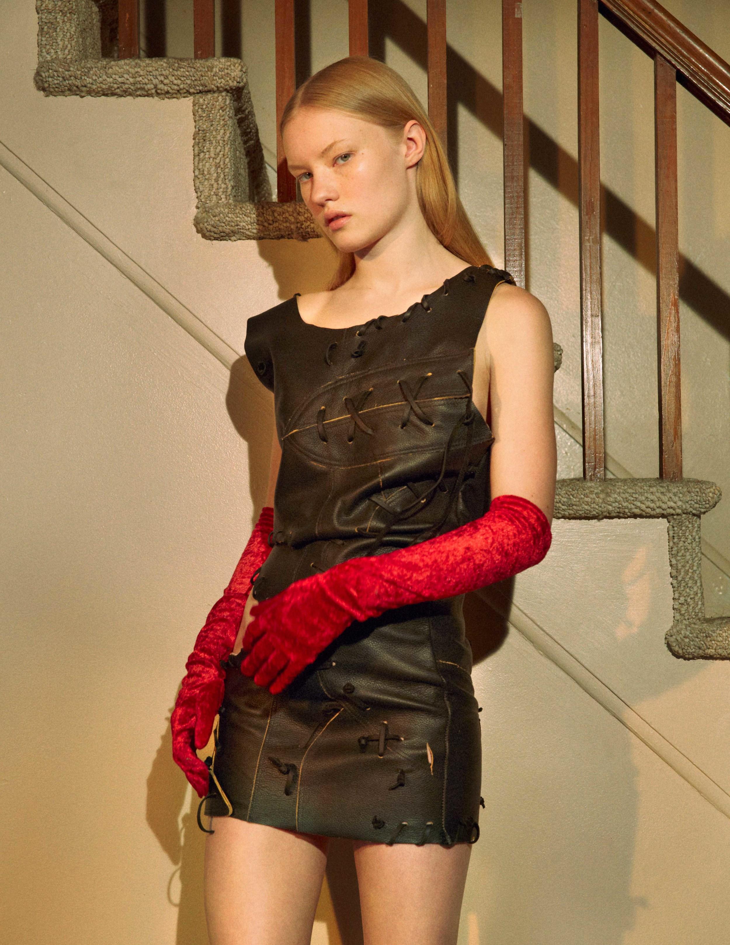 Dress by VEJAS  Gloves by La Crasia