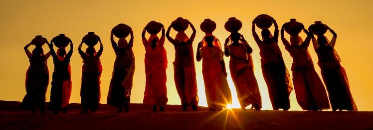 Waterbearers, Thar Desert, Rajastan, India