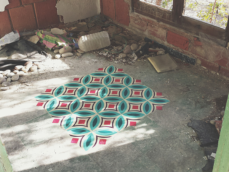 Floor patterns in abandoned places