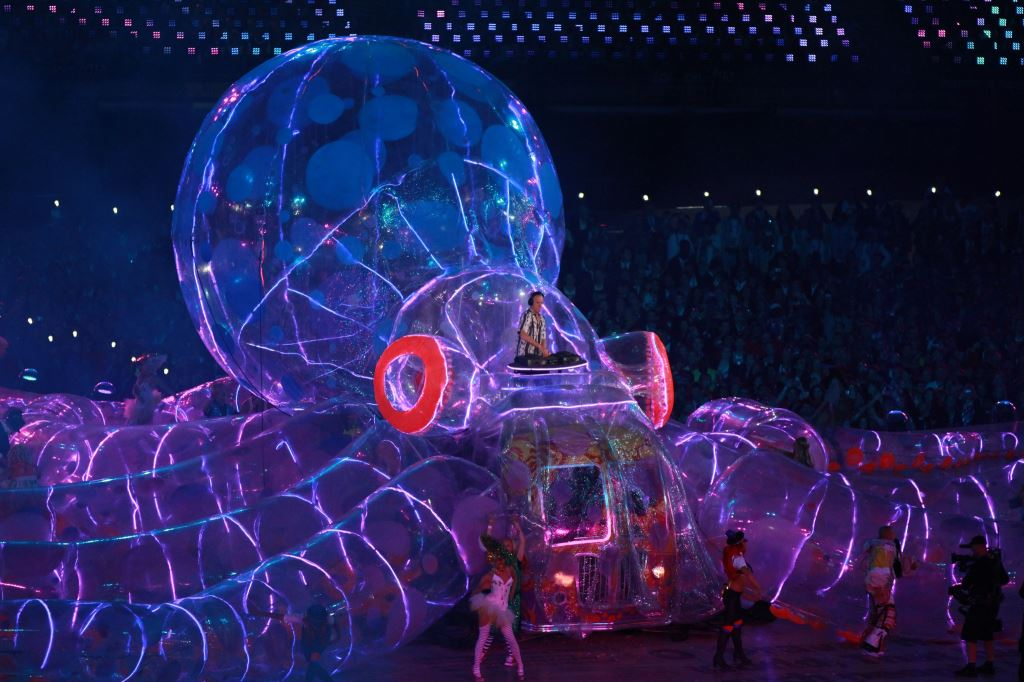 Inflatable Octobus at Olympic Closing Ceremony