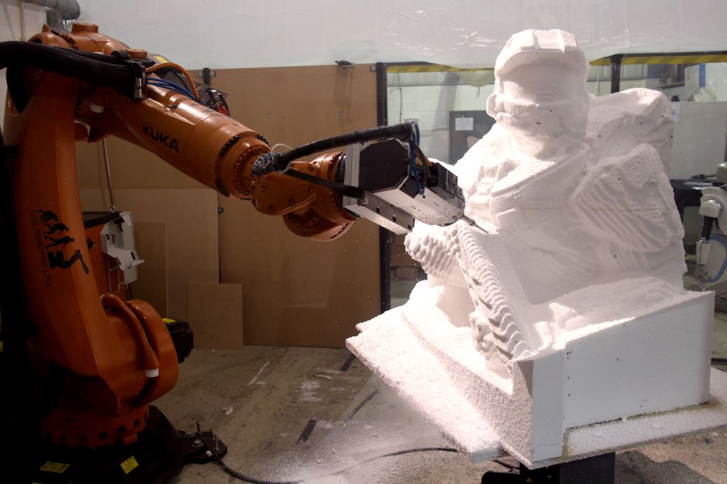 KUKA Robot arm carving Halo Master Chief