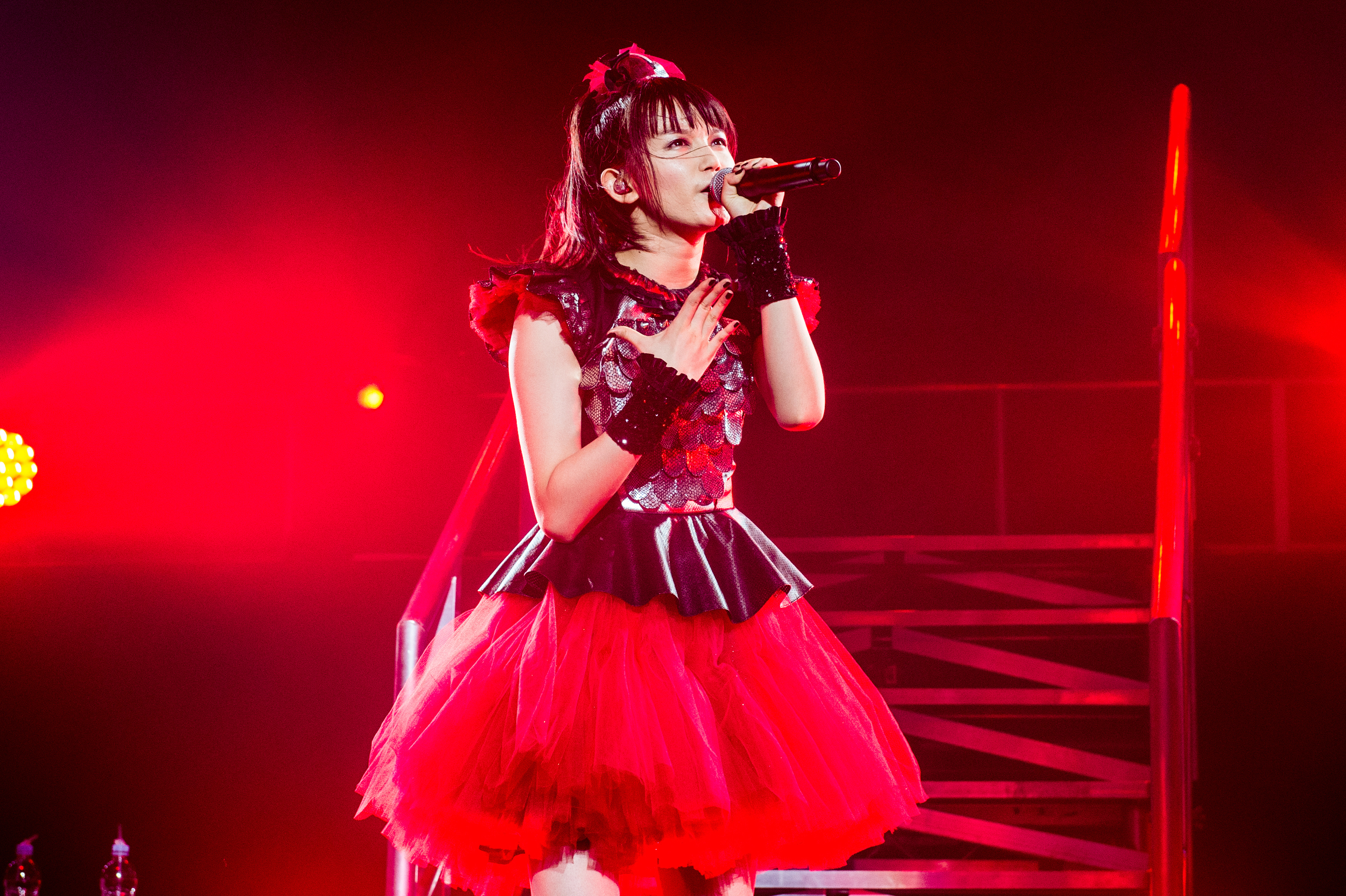 BABYMETAL - QUEENS OF CONTRACY