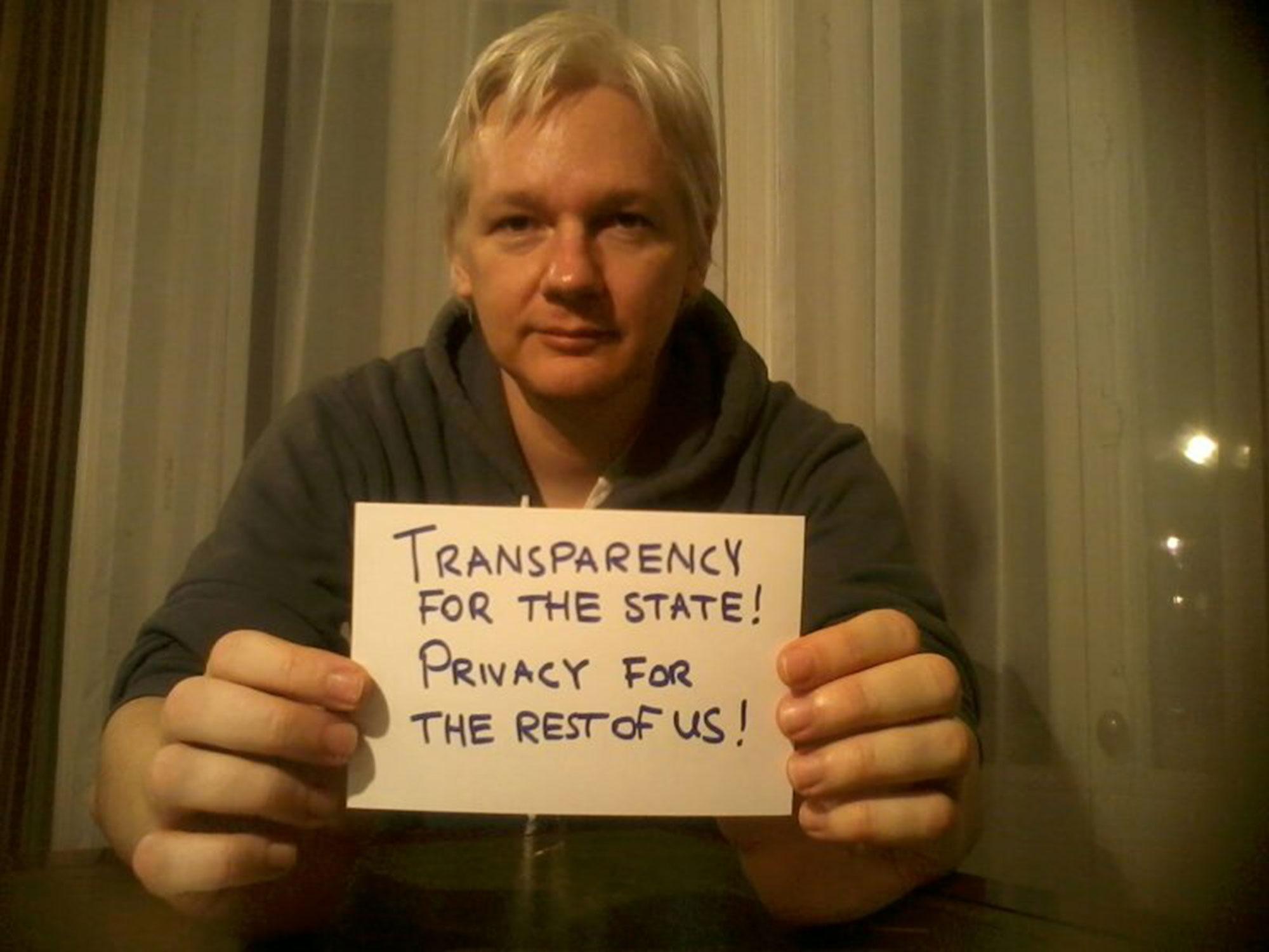 Delivery for Mr. Assange , 2013 by !Mediengruppe Bitnik.Image from live online performance, 2013.Courtesy Migros Museum für Gegenwartskunst.