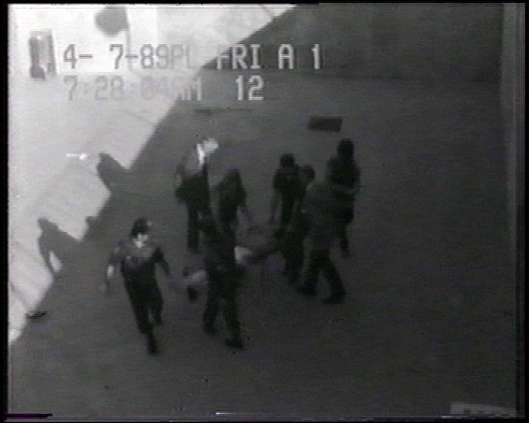 Gefängnisbilder (Prison Image),  2000 by Harun Farocki.