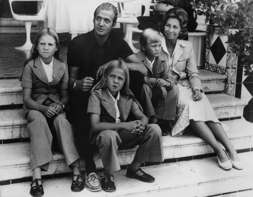 Prince Juan Carlo's Family, 1975. Photo source:  Harper's Bazaar.
